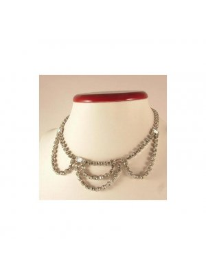 Ladies vintage clear rhinestone necklace in white coloured metal - design 13114