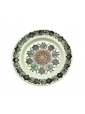 Broadhurst Romany Plate 6.75 inches Kathie Winkle Design