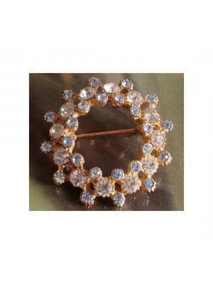 Ladies vintage pin brooch blue and clear rhinestones set in a gold coloured metal - 12445
